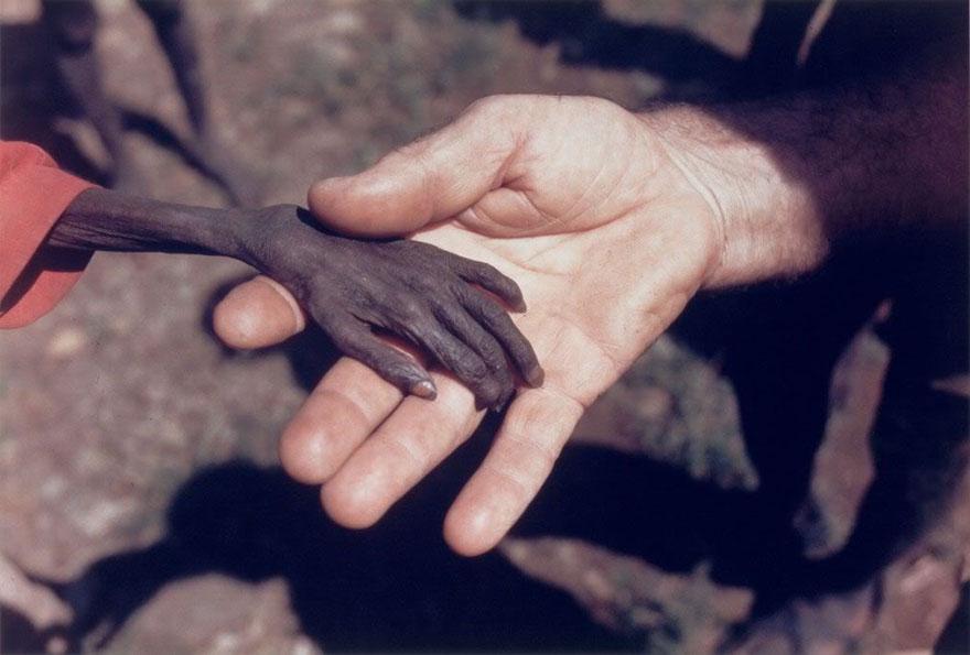 nälgiv poiss ja misjonär