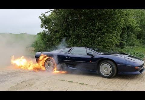 Leegitsev Jaguar XJ220 burnout