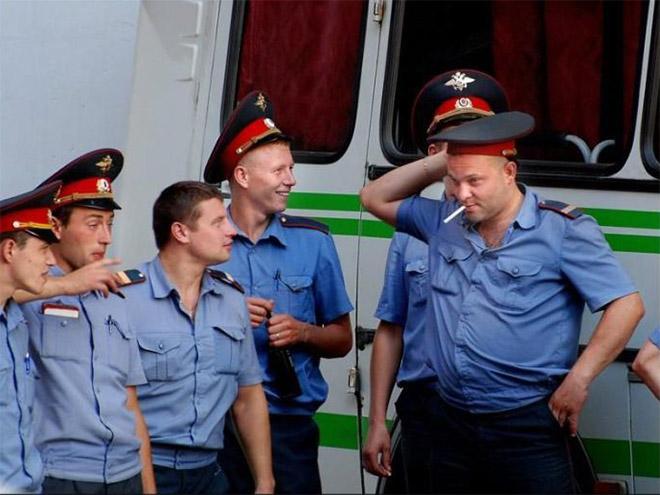 Vene miilitsad 14