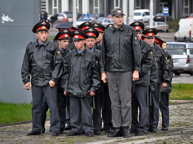 Vene miilitsad 18