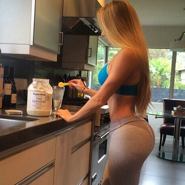 Amanda Lee 6