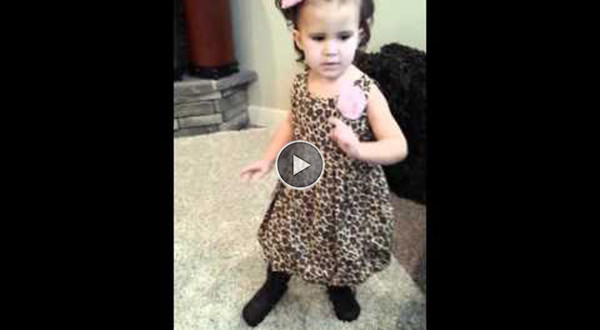 tüdruk tantsimas
